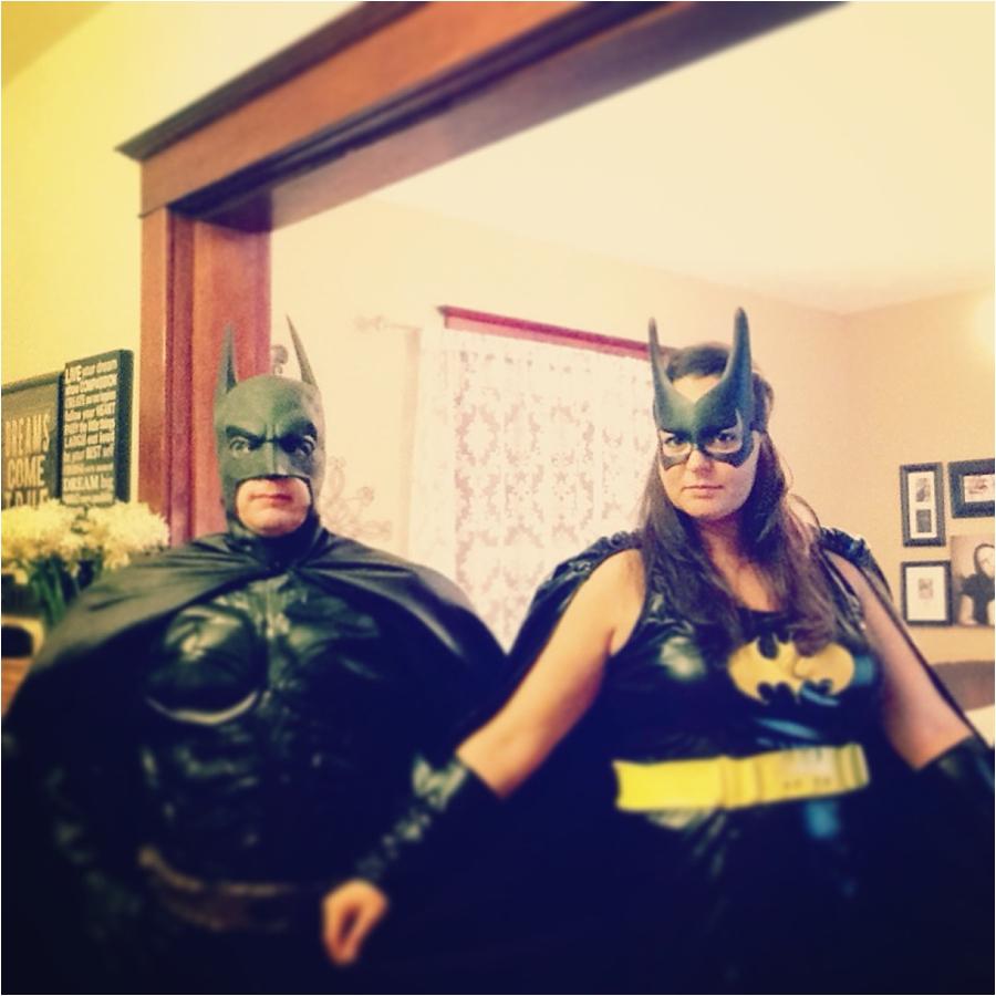 halloween costumes batman and batwoman
