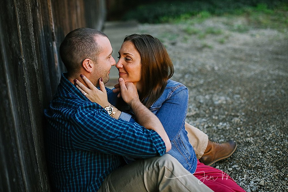 couple kissing engagement session at the barn blairsville pa