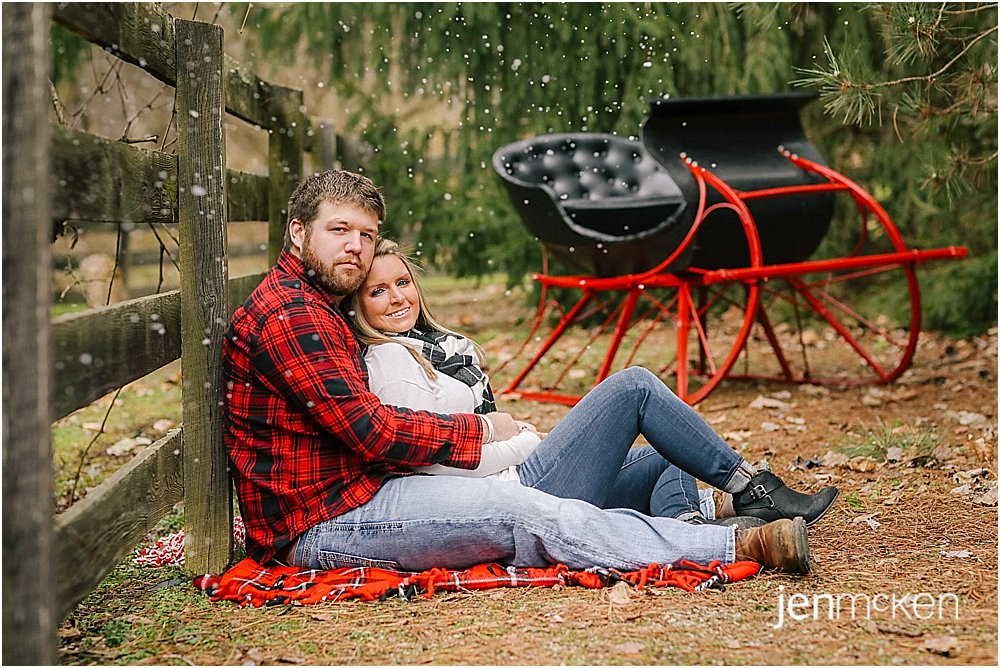snow machine during holiday mini sessions for outdoor family photos