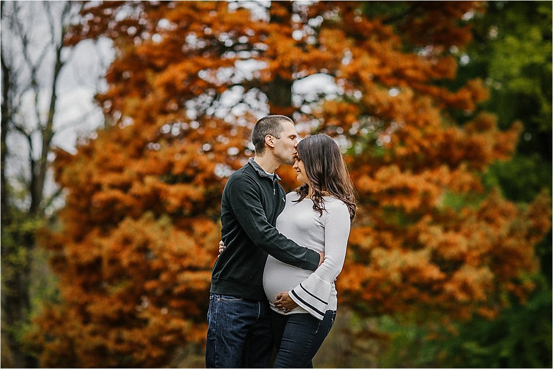 maternity session at frick park in the fall leaves