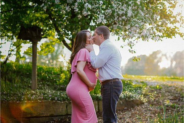 maternity photos in the spring